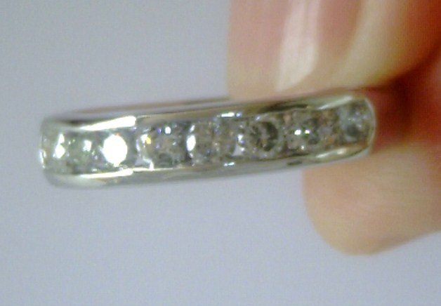 ¡ CHOLLO ! ANILLO CHANEL DE ORO BLANCO CON 8 DIAMANTES REDONDOS